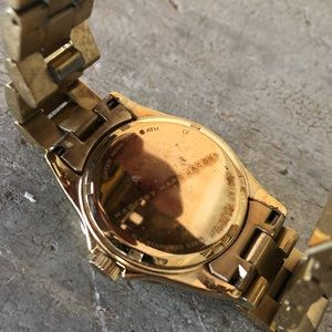 Marc Jacobs Accessories - ♥️ Marc Jacobs ♥️ Gold Watch